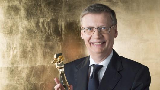 Günther Jauch nach dem Gewinn seiner 4. GOLDENEN KAMERA im Februar 2016