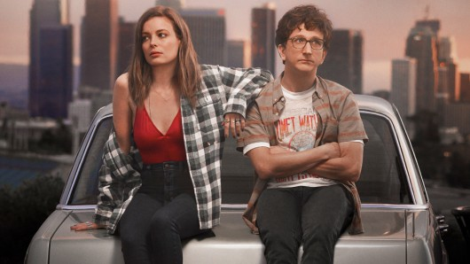 Mickey (Gilian Jacobs) und Gus (Paul Rust) in Love