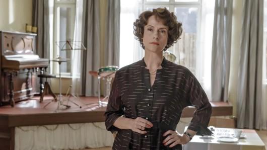 Claudia Michelsen als Caterina Schöllack in Ku'damm 56.