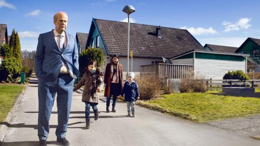 Rolf Lassgård (61) als griesgrämiger Titelheld in Ein Mann namens Ove