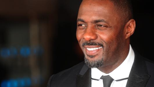Ob große Leinwand oder kleine Mattscheibe – Idris Elba (43) macht immer eine gute Figur