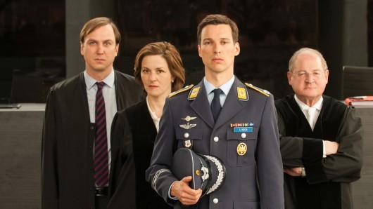Das Terror-Ensemble mit Lars Eidinger, Maria Gedeck, Florian David Fitz, Burghart Klaußner (von links).
