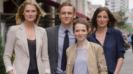 Star-Besetzung: Toni Garrn, Matthias Schweighöfer, Karoline Herfurth, Alexandra Maria Lara (v.l.)