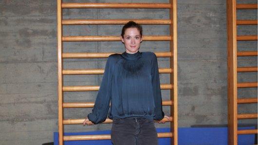 Sprossen, die die Welt bedeuten: Friederike Becht (29) im Probenraum der Universität der Künste Berlin
