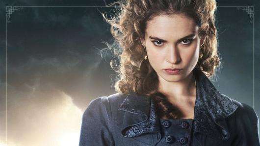 Romantikerin mit Killerinstinkt: Lily James als Elizabeth Bennet in Stolz und Vorurteil & Zombies