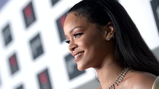 Popstar Rihanna (28)
