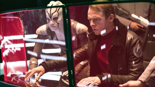 Simon Pegg und Sofia Boutella in Star Trek: Beyond.