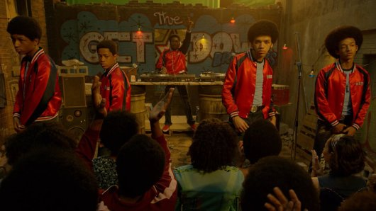 The Get Down Brothers (v.l.n.r.): Ra-Ra (Skylan Brooks), Boo-Boo (Tremaine Brown Jr.), Shaolin Fantastic (Shameik Moore), Ezekiel (Justice Smith) und Dizzee (Jaden Smith)