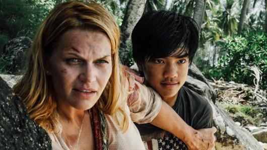 Anna (Anna Loos) hat einen Jungen aus der Piratengruppe auf ihre Seite gebracht