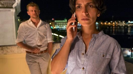 Branka (Neda Rahmanian) möchte eigentlich den Abend mit ihrem Freund Kai (Andreas Guenther) verbringen, aber der erste Fall als Leiterin der Mordkommission  muss unbedingt gelöst werden.