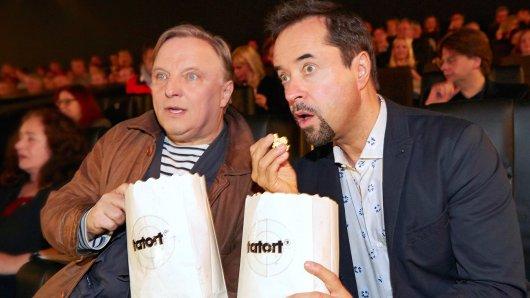 Auch sie lieben den Sonntagskrimi: Axel Prahl und Jan Josef Liefers bei der Kino-Preview des 25. Münster-Tatort Der Hammer