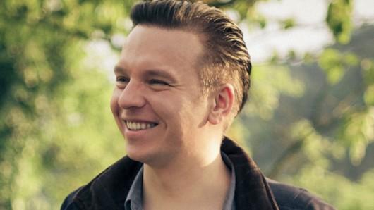 Strahlender Regienachwuchs: Piotr J. Lewandowski gibt mit dem Krebsdrama Jonathan sein viel beachtetes Langfilmdebüt