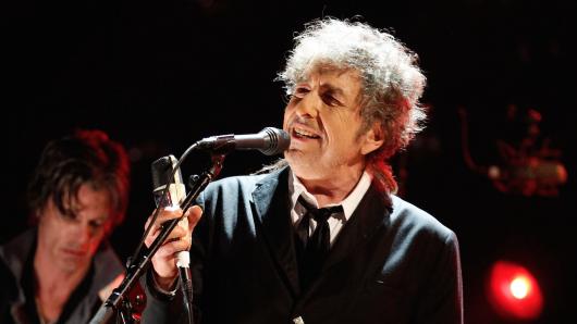 Schreibt zeitlose Hits und jetzt auch Geschichte: der frisch gebackene Literaturnobelpreisträger Bob Dylan (75)