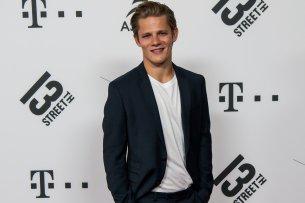 Startete nach dem Gewinn der GOLDENEN KAMERA richtig durch: Max von der Groeben (24)