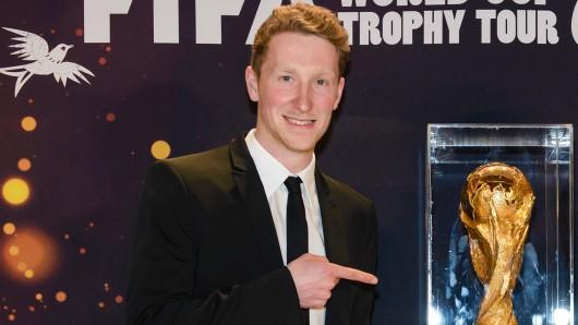 Fußball im Herzen: Louis Klamroth (27), GOLDENE KAMERA-Nachwuchspreisträger 2004