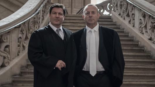 Francis Fulton-Smith als Strafverteidiger Dr. Werner Kanz und Heino Ferch als Richter Dr. Joachim Glahn (v.l.)