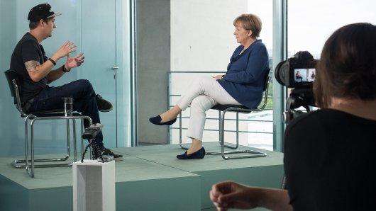 Politik-Interview 2.0: Kanzlerin Angela Merkel (63) stellte sich 2015 erstmals den Fragen des YouTubers LeFloid (29)
