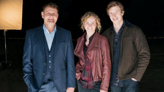 Devid Striesow (l.), Cornelia Gröschel und Golo Euler am Set