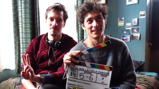 Regisseur Xaver Xylophon und Hauptdarsteller Noah Saavedra (r.)