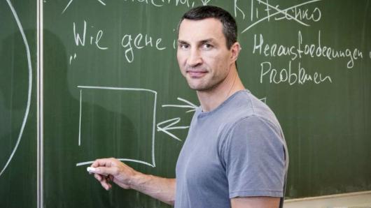 Tauscht Boxhandschuhe gegen Klassenbuch: Wladimir Klitschko