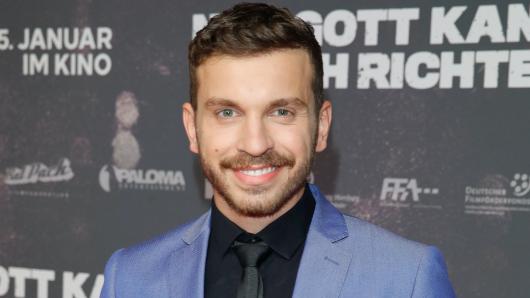 Edin Hasanovic (26) hat eine Hauptrolle in der Netflix-Serie Skylines übernommen