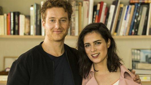 Nora Tschirner und Alexander Fehling stehen für Gut gegen Nordwind vor der Kamera.