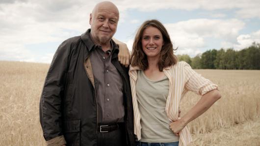 Thomas Thieme und Miriam Stein beim Dreh in Brandenburg