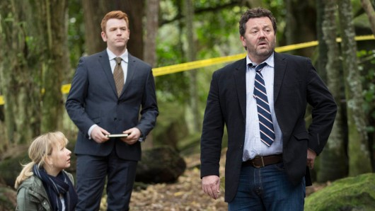 Kristin Sims, Nic Sampson und Neill Rea in The Brokenwood Mysteries