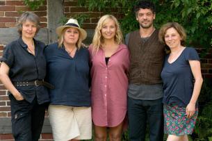 Kamerafrau Birgit Gudjonsdottir, Regisseurin Esther Gronenborn, Nadja Uhl, Carlo Ljubek (Rolle Daniel) und Produzentin Heike Vossler (v.l.)