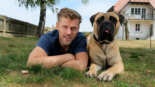 Der Bulle und das Biest: Jens Atzorn mit seinem tierischen Co-Star Rocky