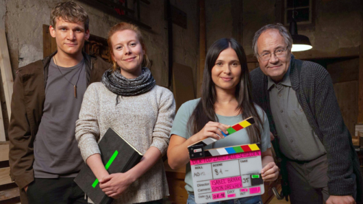 Regisseurin Isabell Braak (2.v.l.) mit ihren Darstellern Frederik Bott (l.), Anna Fischer und Hartmut Volle