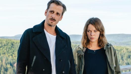 Jessica Schwarz als Maris Bächle und Max von Thun als Konrad Diener in Und tot bist du!