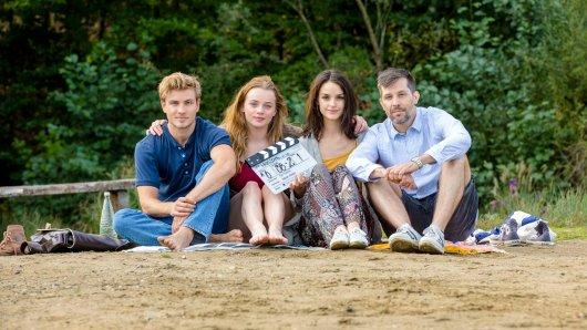 Jannik Schümann, Luna Wedler, Luise Befort und Regisseur Tim Trachte (v.l.) am Set