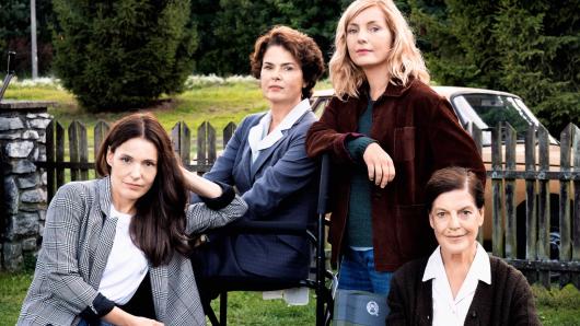 Nicolette Krebitz, Barbara Auer, Naja Uhl und Angela Winkler (v.l.n.r.) am Set des ZDF-Dreiteilers The Wall