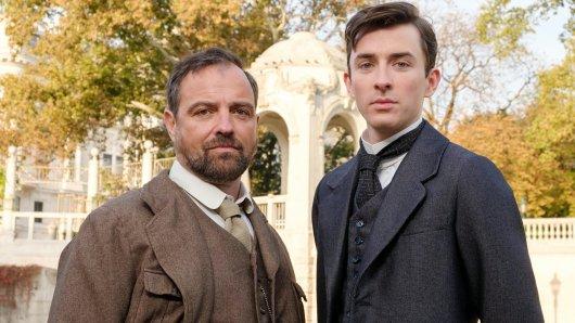 Juergen Maurer (l.) und Matthew Beard als Ermittler im Wien der Jahrhundertwende