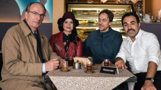 Regisseur Marc-Andreas Bochert (2.v.r.) mit seinen Darstellern Herbert Knaup (l.), Anna Fischer und Adnan Maral