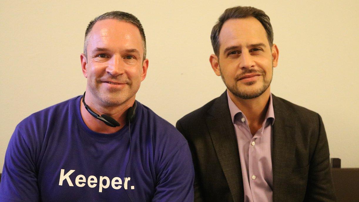 GoKa-Reporter Mike Powelz im Interview mit Moritz Bleibtreu (r.)