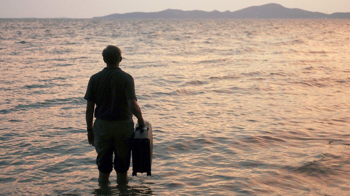 Die Reise von Holger (Ulrich Tukur) wird immer mehr zum Selbstfindungstrip.