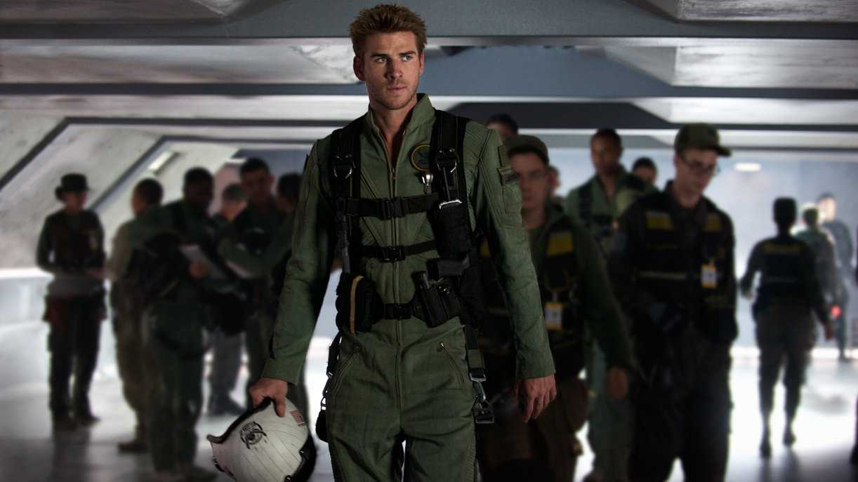 """Liam Hemsworth als selbsternannter """"Weltraum-Cowboy"""" Jake Morrison in """"Independence Day: Wiederkehr"""""""