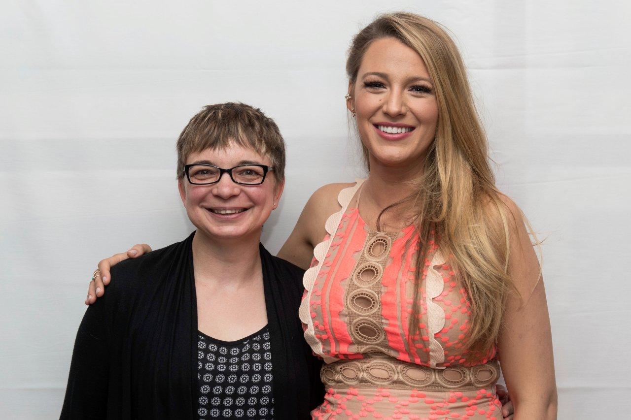 GOLDENE KAERA-Reporterin Anke Hofmann im Interview mit Blake Lively.