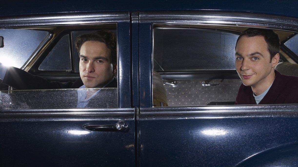Leonard (Johnny Galecki) und Sheldon (Jim Parsons, r.)