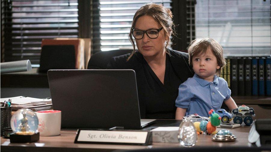 """Während Detective Olivia Benson (Mariska Hargitay) """"Die Spur des Bösen"""" verfolgt, darf Adoptivsohn Noah nicht vernachlässigt werden"""