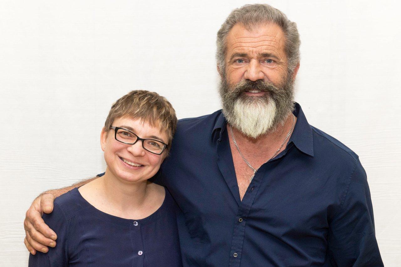 Mel Gibson und GOLDENE KAMERA-Korrespondentin Anke Hofmann