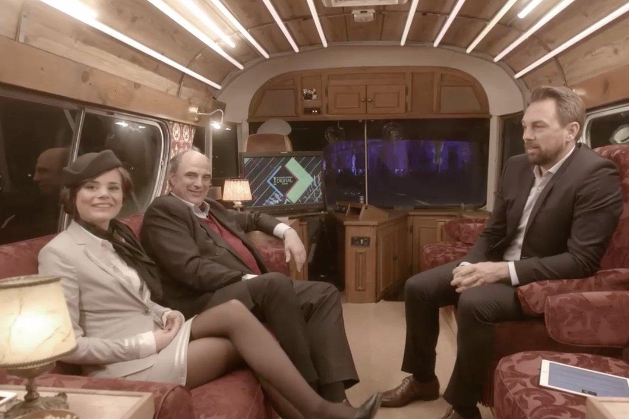 "Joyce Ilg, ""Neo Magazin Royale""-Sidekick William Cohn und Steven Gätjen heißen Euch im #GKDA-Bus willkommen"