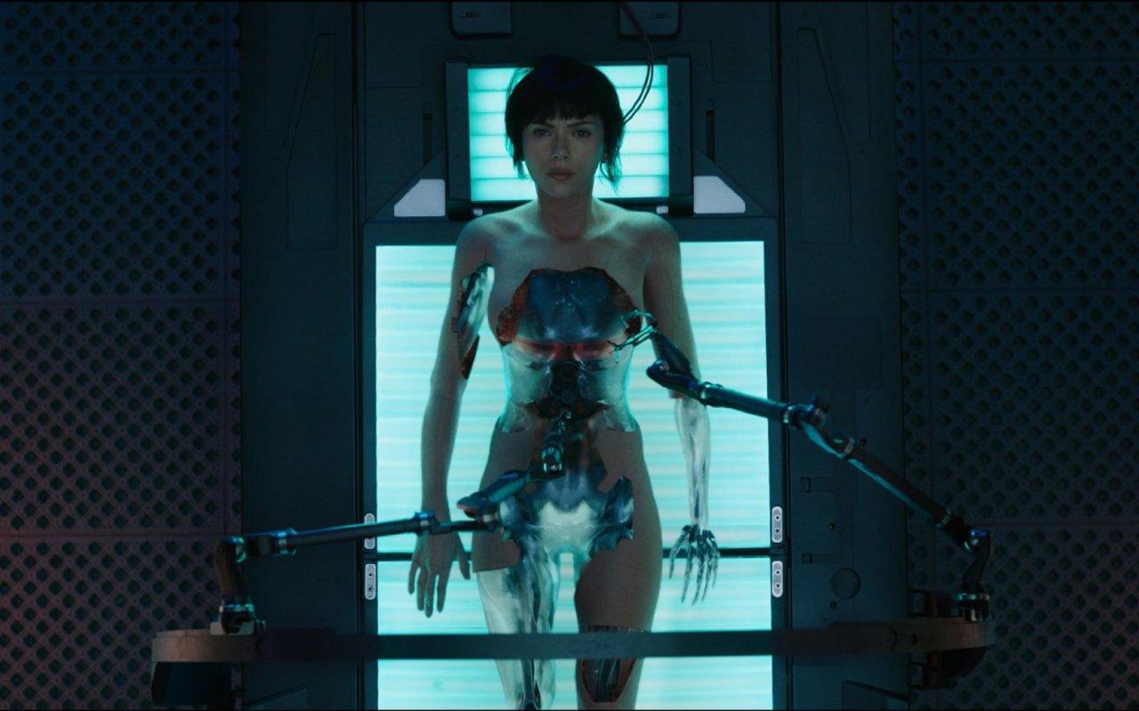 """Vorab die wichtigste Frage zum """"Ghost in the Shell""""-Remake: Wieviel unverhüllte Einblicke gewährt Scarlett Johansson?"""