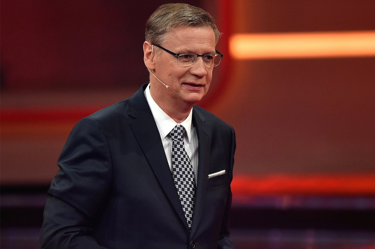 """Günther Jauch moderiert die erfolgreiche Show """"Wer wird Millionär?"""""""