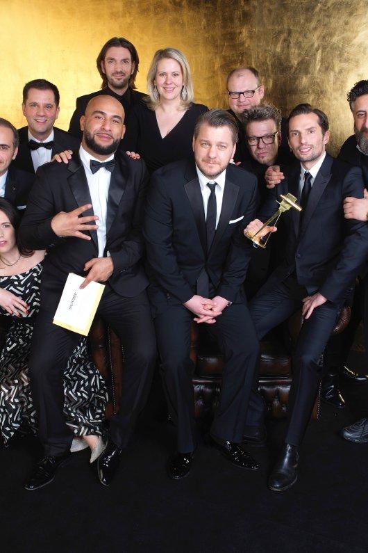 4 Blocks gewinnt 2018 als bester deutscher Mehrteiler/Miniserie die GOLDENE KAMERA.