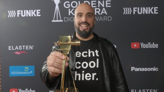 Best Newcomer Abdelkarim beim YouTube GOLDENE KAMERA Digital Award 2020