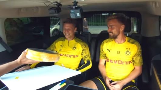 Lukasz Piszczek und Marcel Schmelzer im BVB-Quiztaxi.