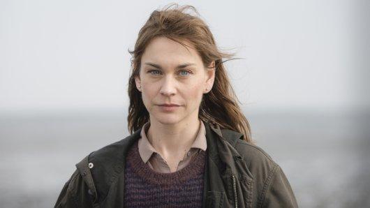 Christiane Paul spielt in Ostfriesenkiller Hauptkommissarin Ann Kathrin Klaasen. Das ZDF zeigt den Krimi am 1. April, 20.15 Uhr.
